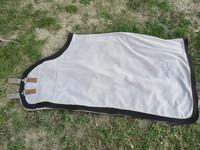 Paksu harmaa fleeceloimi 145 cm mustilla kanteilla