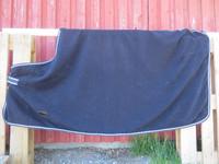 Tummansininen Eskadron fleeceloimi 145 cm