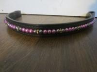 Musta helmiotsapanta pinkeillä ja tummanharmailla helmillä, 42 cm