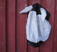 Musta-valkoinen ötökkähuppu lycraa ja verkkoa, COB