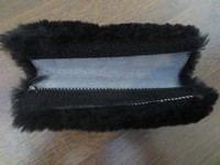 UUSI musta lampaankarvapehmuste tarralla 20 cm