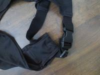Elastinen musta lapasuoja polyesteristä, M koko