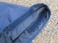 Sininen Bucas ulkoloimen kaulakappale liukkaalla vuorella L