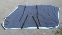 Vanha tummansininen talliloimi villavuorella 150 cm