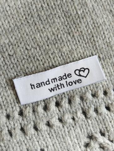 Handmade with love kangasmerkki, musta-valkoinen