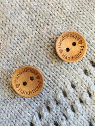 Handstickad puunappi,  18 mm