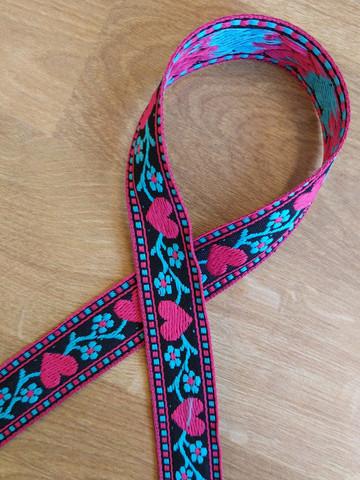 Vävt band 20 mm, hjärta, röd/svart/turkos