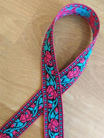Vävt band 20 mm, ros, röd/svart/turkos