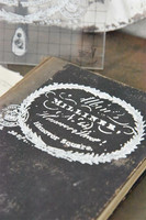 Leimasin - 12 x 11 cm - JDL Vintage Paint - Text Milliner
