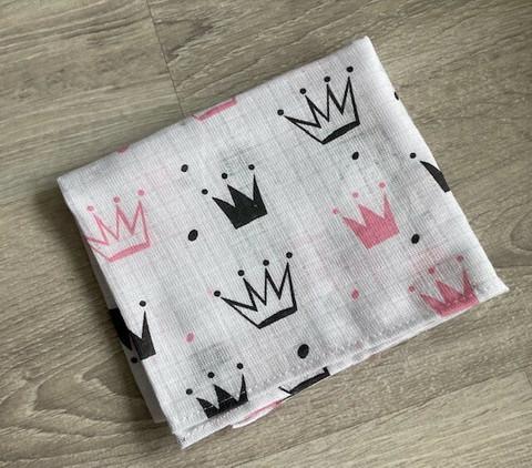 Kuvioidut harsot, vaaleanpunainen kruunu
