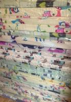 Pinnasängyn patja, vaahtomuovi, värikäs kangas, 120 x 60 x 6cm