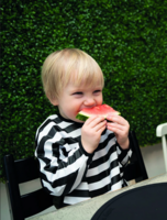 BabyWallaby -hihallinen ruokalappu, musta-valkoraidallinen