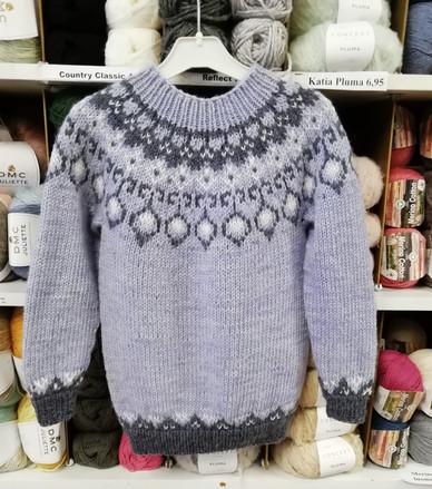 islantilaisneule-lasten-kirjoneulepusero-kaarrokeneule.ohje.hanen-ylhaisyytensa-borgo-de-pazzi-new-cedro