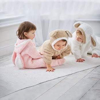 vauvan_lapsen_neulottu_pupu_lammas_nalle_haalari_ohje_sirdar_snugglly_bunny
