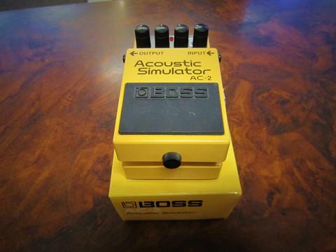Myydään asiakkaan lukuun mallinnuspedaali Boss AC2 Acoustic Simulator (käytetty)