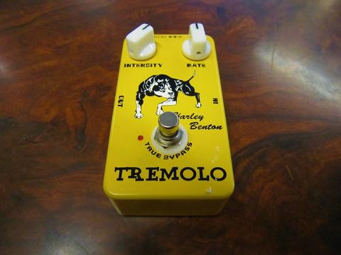 Myydään asiakkaan lukuun Tremolo pedaali Harley Benton Tremolo (käyt)