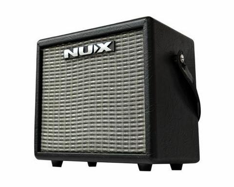 Kitaravahvistin Nux Mighty 8BT  mallintava, bluetooth