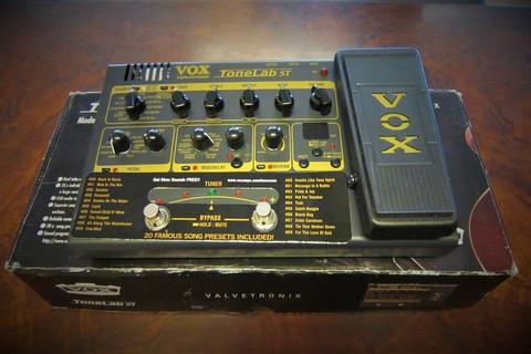 Myydään asiakkaan lukuun Multiefekt Vox Valvetronix Tonelab ST (käyt)