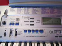 Myydään asiakkaan lukuun Keyboard Casio CTK-591 (käyt) + teline (käyt)