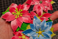 Lawn Fawn - Stitched Poinsettia, Stanssisetti