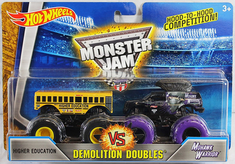 Hot Wheels Monster Jam kahden autonsetti, Koko 1:64 DMK73