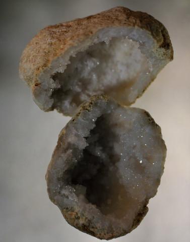 Valkoinen kalsiitti, halkaistu 40 - 50 mm