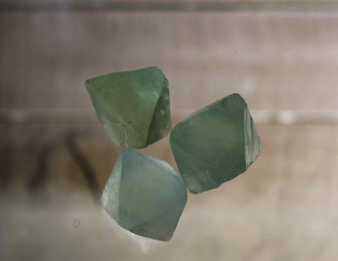 Fluoriitti, oktaedri 15 - 20 mm