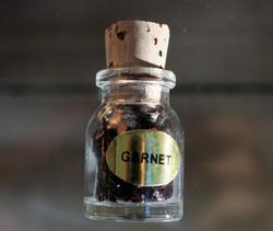 Kivipullo, granaatti 50 mm