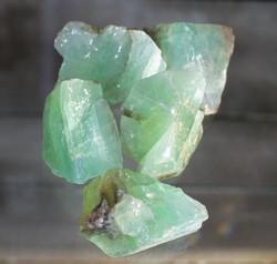 Vihreä kalsiitti, hiomaton 35-50 mm
