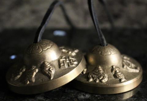 Symbaalit, 8 symbols of prosperity