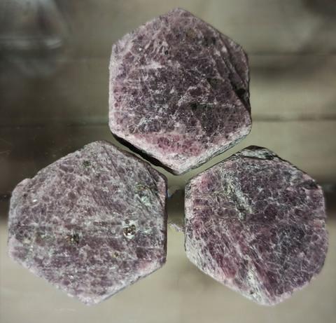 Rubiinikristalli 30-40 mm