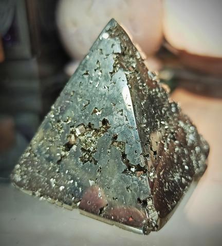 Pyriitti pyramidi 50/50/55 mm