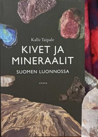 Kivet ja mineraalit Suomen luonnossa -kirja