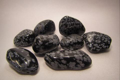 Rumpuhiottu kivi, lumihiutaleobsidiaani