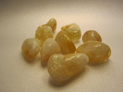 Rumpuhiottu kivi, sitriini