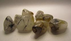 Rumpuhiottu kivi, turmaliinikvartsi