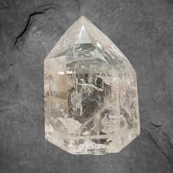 Vuorikristalli kärki, AA-laatu, n. 90/60/60 mm