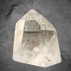 Vuorikristalli kärki, AA-laatu, n. 70/70/45 mm