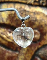 Vuorikristalli, sydänriipus