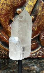 Vuorikristallikärki jalustalla