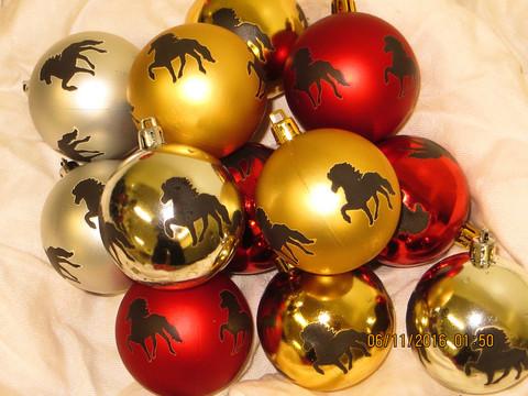Joulukuusenpallo Hevonen Ravaava