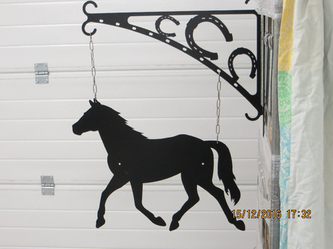 Gate sign and rack Horse