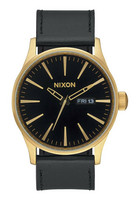 Nixon A105 513 Sentry Leather rannekello