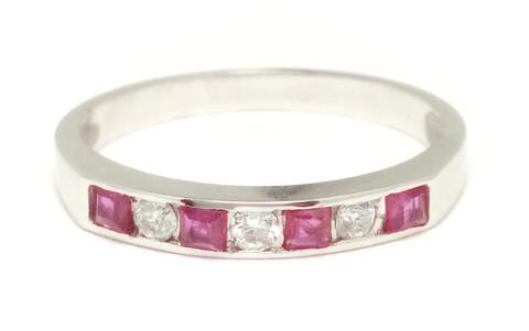 Sormus timanteilla ja rubiineilla, valkokultaa 0,09ct 23121