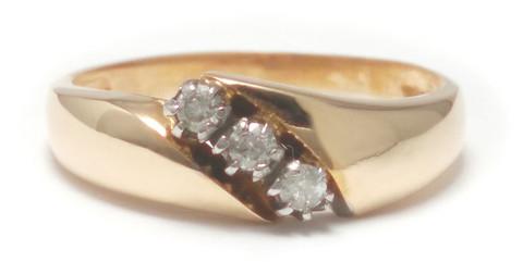 Timanttisormus kolmella timantilla, kultaa 0,09ct 23150
