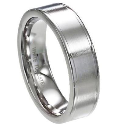 Tungsten/titaani sormus satiini pinnalla, 8mm leveä