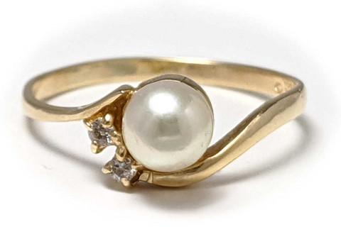 Helmisormus kahdella timantilla, kultaa