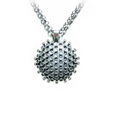 Korona-riipus, hopeaa