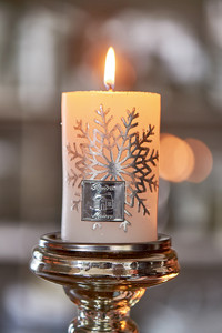 Snowflake Candle 7x10