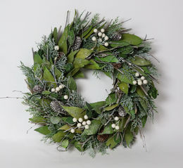 Wreath Green- white 35 cm